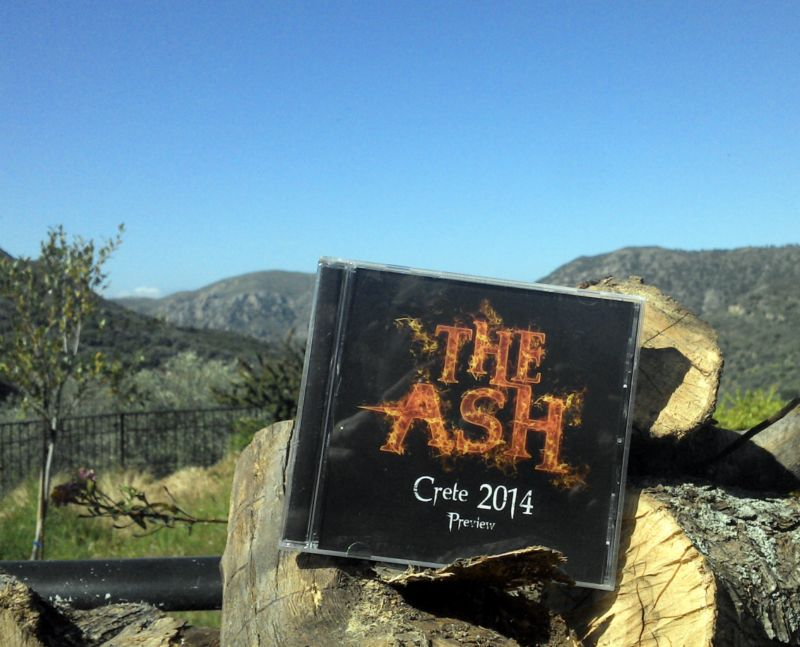 The Ash Cover vorn