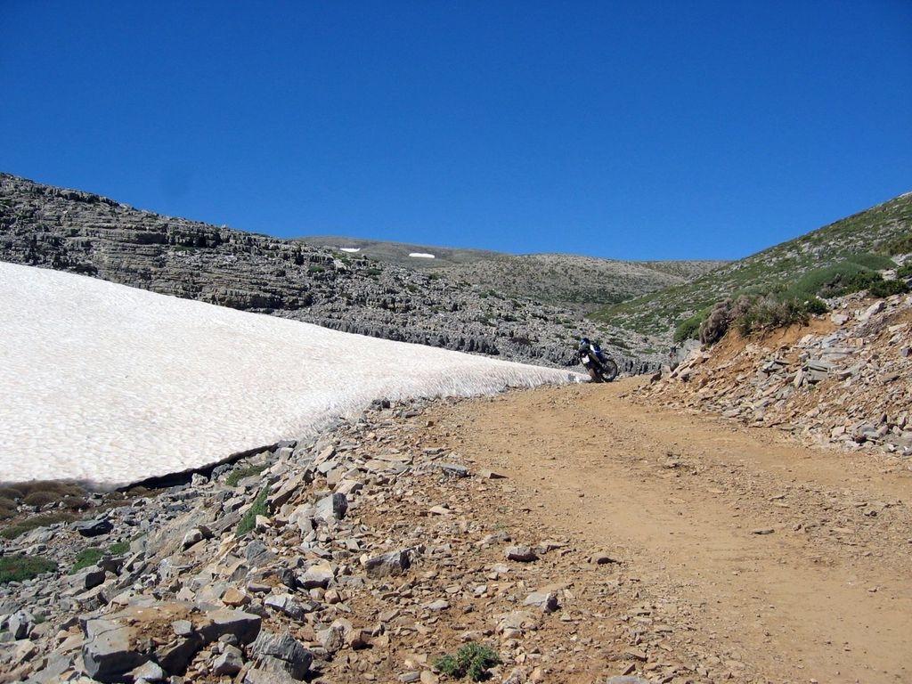 HG6 Psiloritis im July auf 2000m - Schnee bei 35Grad an der Küste
