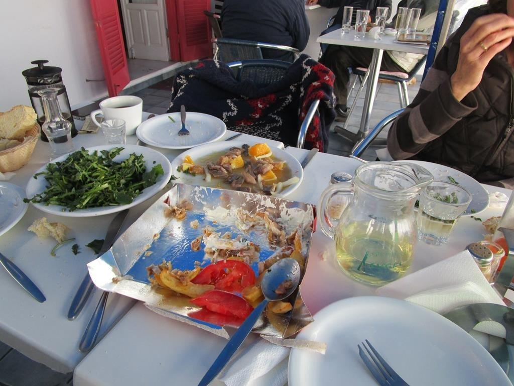 Fisch, Kaviar und Orangen