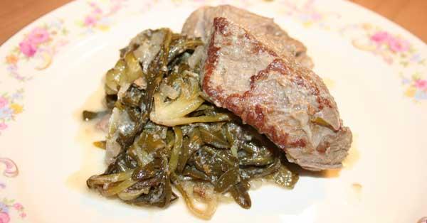 tobias-kocht-rindfleisch-mit-stamnagathi