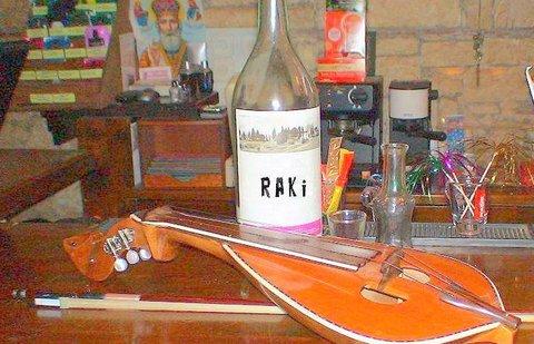 Raki und Musik