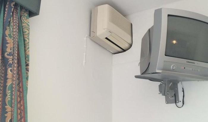 Eine-AC-fuer-2-Zimmer