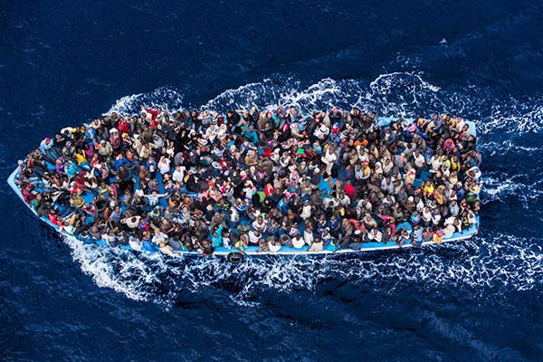 migrants_boat
