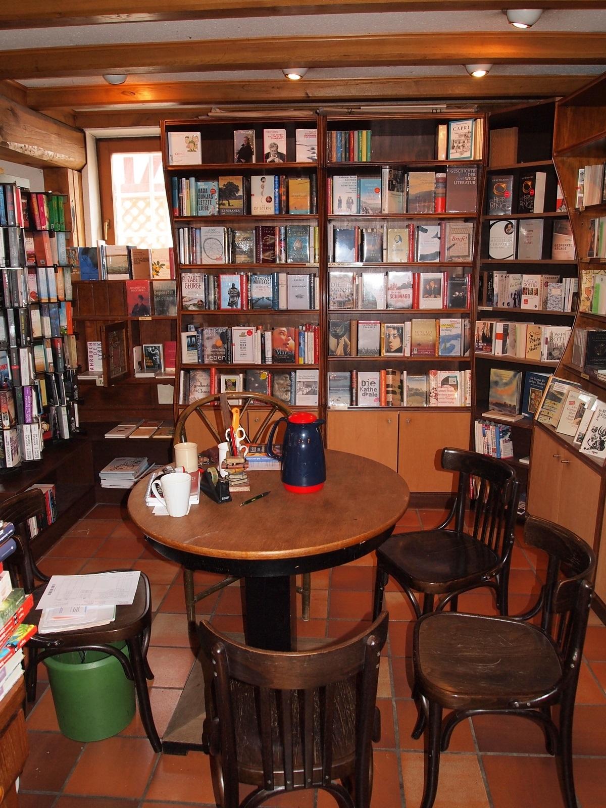 Runder Tisch Buchhandlung Ruebezahl