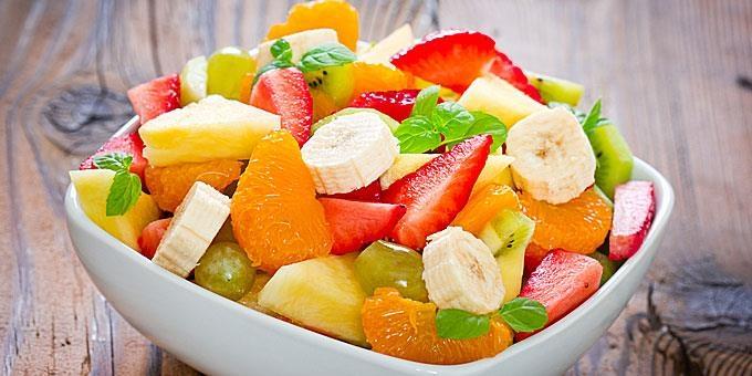 Fruchtsalat mit Honig