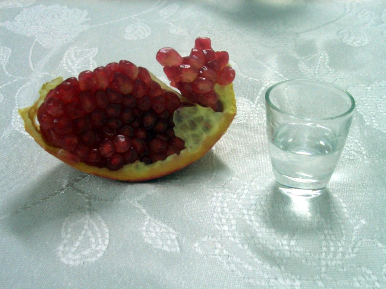 raki-und-granatapfel