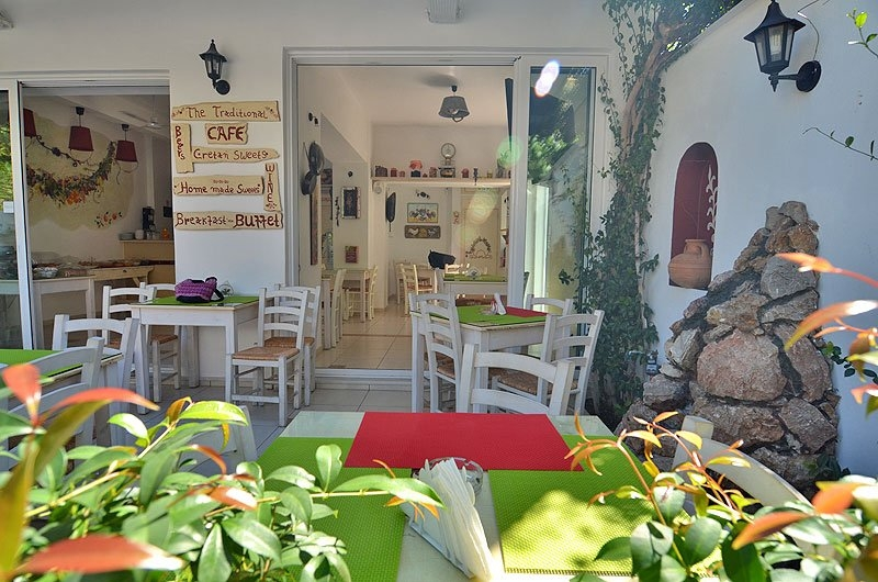 Traditional Cafe_Manto