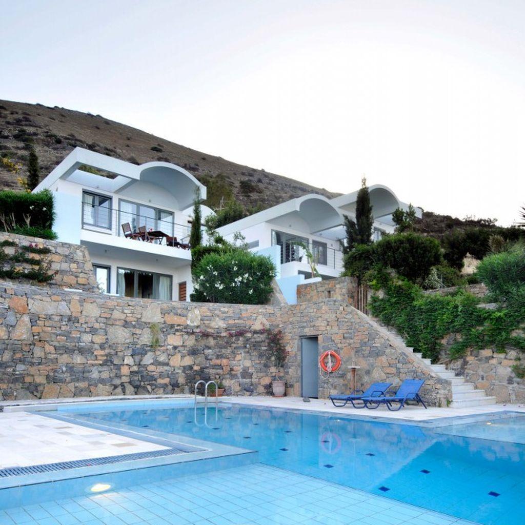 Villas in Elounda. Tagesmiete im Juni 50€. Die große Krise kommt.